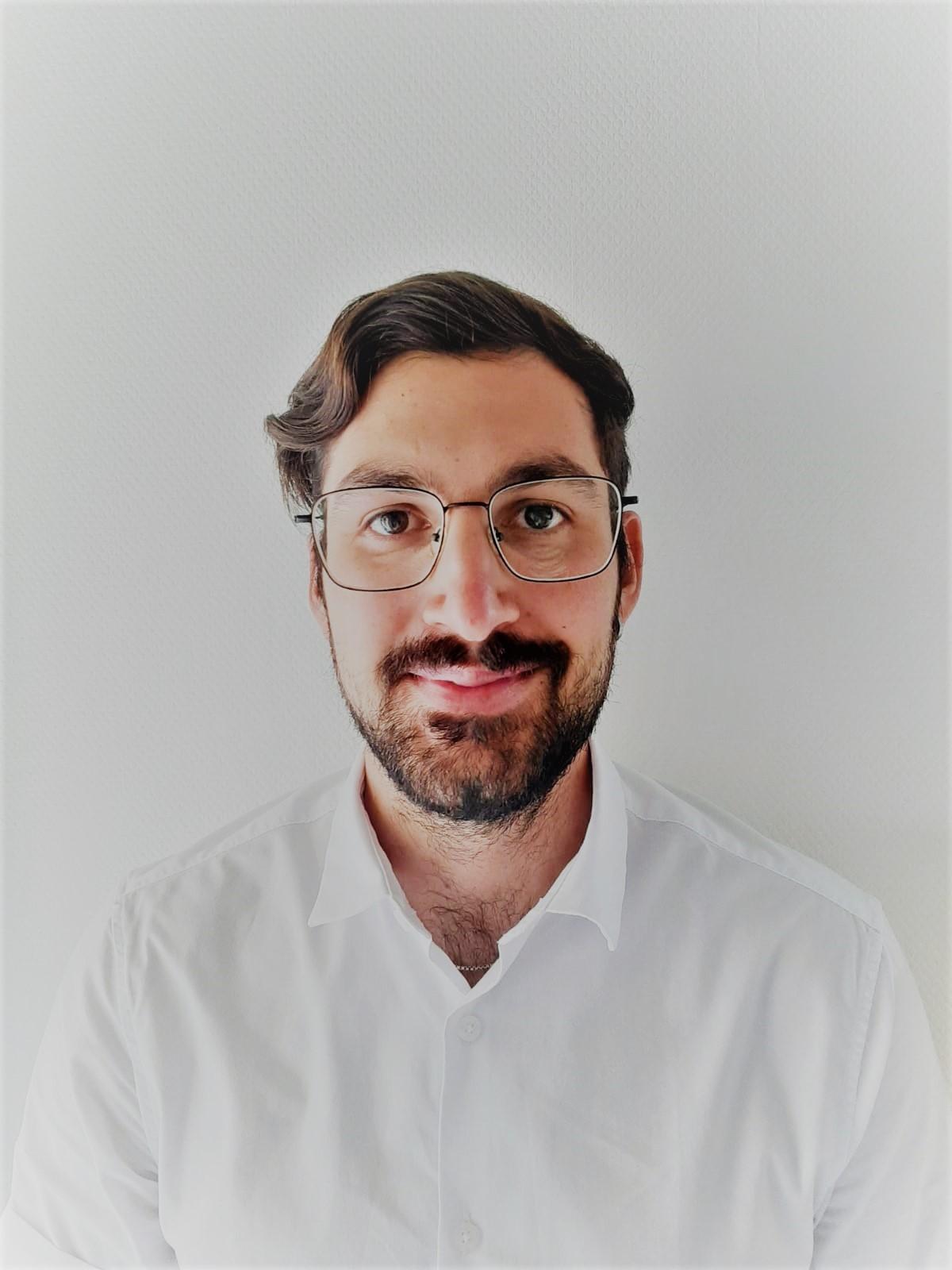 Vikar Lukas Bauschert